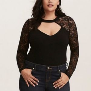 NWT Torrid black keyhole foxy top sz 00/L  $ FIRM!